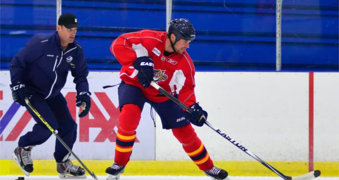 Derek Popke Willie Mitchell Florida Panthers NHL Ice Hockey Skating Puck Positioning Vancouver Hockey School Coach Tips and Drills