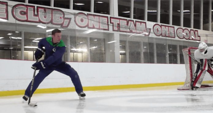 glenn Carnegie, nhl, vancouver Canucks, puck protection